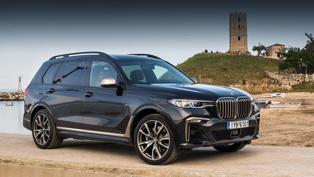 BMW X7 M60i ще зарадва клиентите с V12