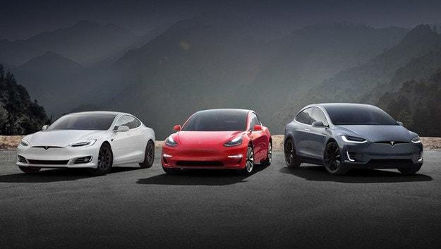 Актуализираният софтуер на Tesla с полезни функции