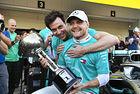 Ужасен старт на Ferrari даде победата на Ботас