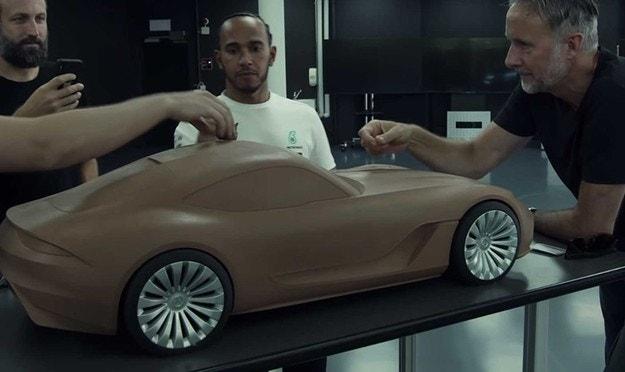 Mercedes показа таен макет на Люис Хамилтън
