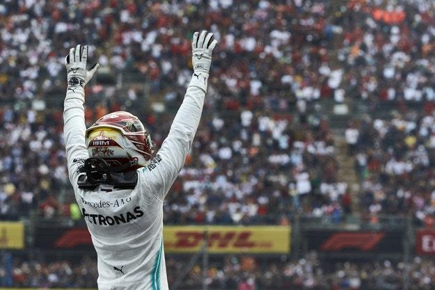 Хамилтън е шесткратен шампион във Формула 1