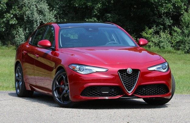 Alfa Romeo Giulia става състезателен електромобил