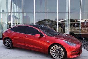 Tesla продава Model 3 от завода в Шанхай
