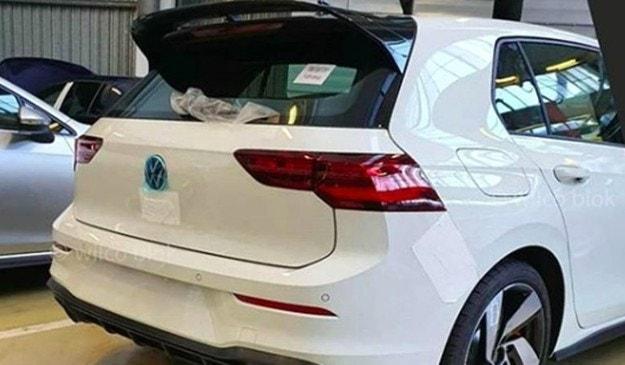 Издебнаха новия VW Golf GTI  без камуфлаж