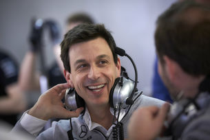 Волф и Mercedes остават във Формула 1