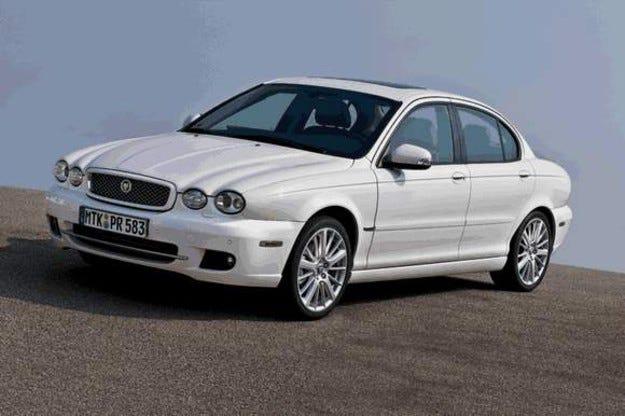 Jaguar X-Type с нова предница