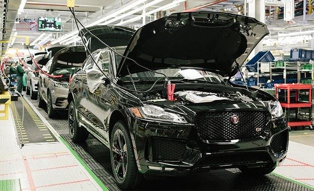 Производството на Jaguar Land Rover е под угроза