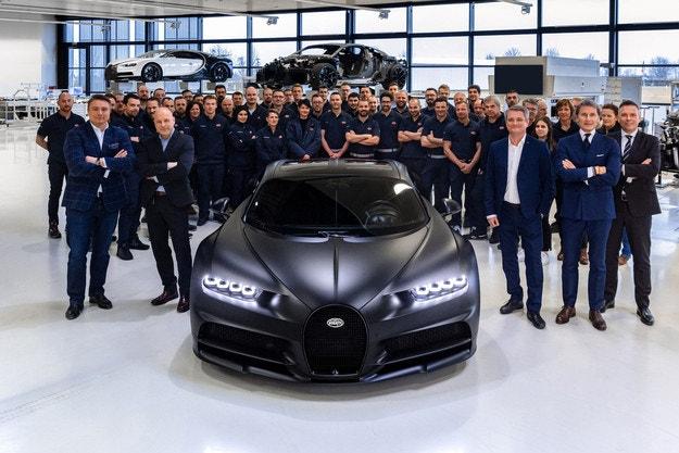 Bugatti преполови планираните бройки на Chiron