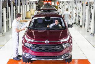 Fiat Chrysler: Италианските фабрики още работят