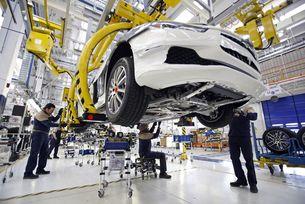 Fiat спира производството на автомобили в Италия