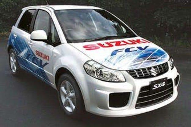 Suzuki SX4-FCV ползва горивна клетка