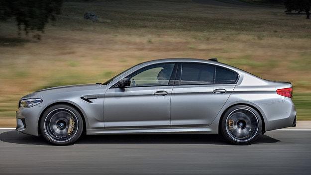 В обновената фамилия BMW M5 ще се появи версия CS