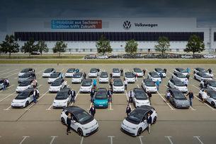 Volkswagen тества електромобила ID.3 със служители