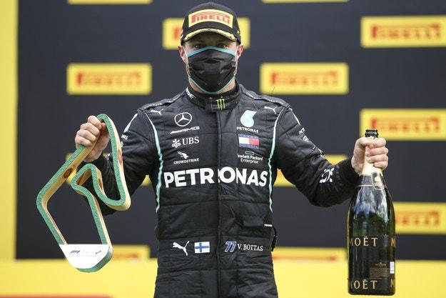Mercedes се разбра с Ботас