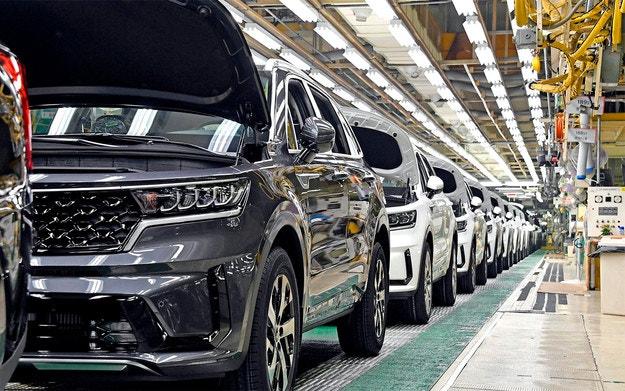Два големи завода на Kia спряха работа