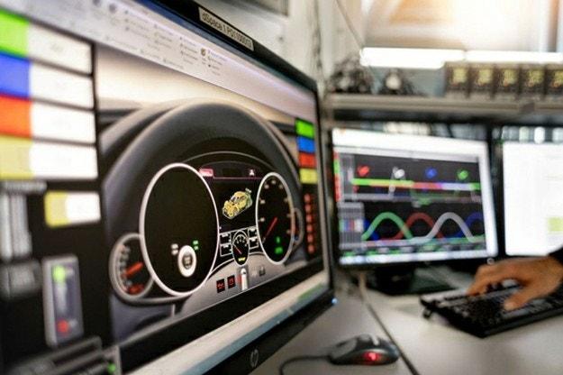 Хибридните модули във WRC се бавят