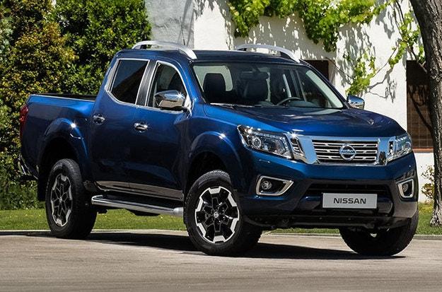 Nissan показа тийзър за новия пикап Navara