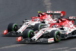 Alfa Romeo отново избра Райконен и Джовинаци