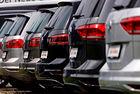 JLR иска спиране на продажби на Volkswagen