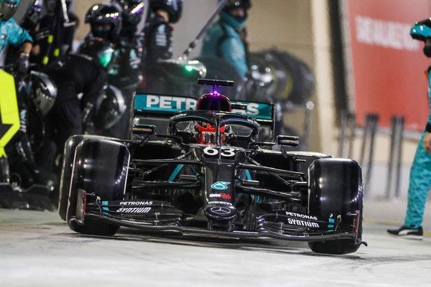 Mercedes откри причината за хаоса в бокса