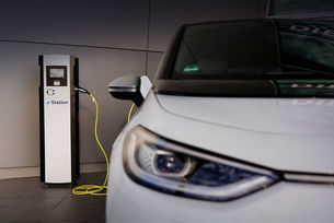 VW ще удвои броя на зарядните станции в Германия