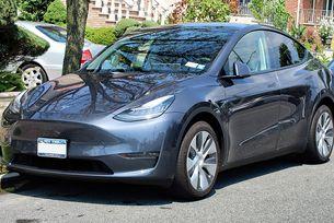 В Ню Йорк на мода са електромобилите Tesla