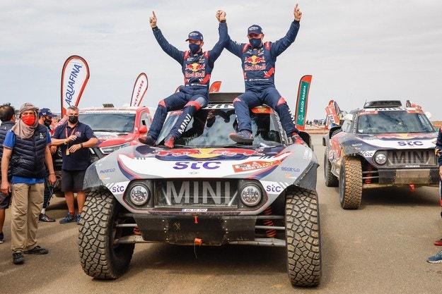 Петерхансел спечели Дакар за рекорден път