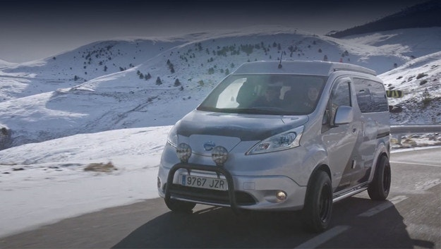 Nissan e-NV200 Winter Camper впечатлява с опции