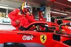 Сайнц направи първите си обиколки за Ferrari