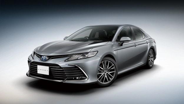 Японците предлагат обновения Toyota Camry