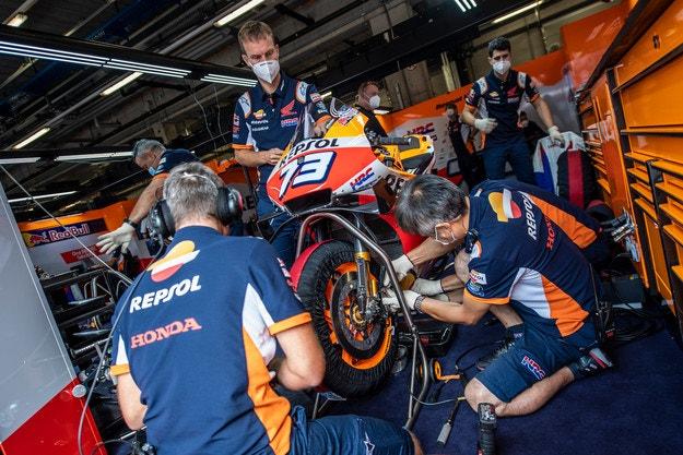 Honda остава в MotoGP поне още пет години