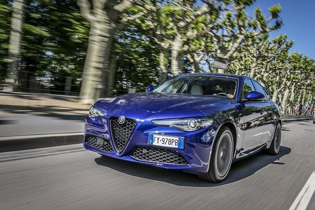 """Alfa Romeo Giulia с титлата """"Най-добър автомобил"""""""