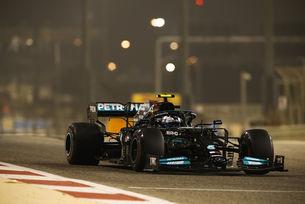 Ботас върна Mercedes на върха