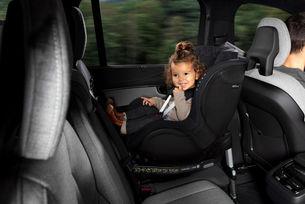 Volvo предлага 24 седмици родителски отпуск