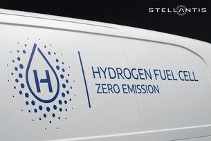 Stellantis пуска хибриден фургон с водород