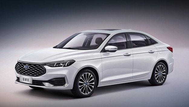 Подмладиха седана Ford Escort за Китай
