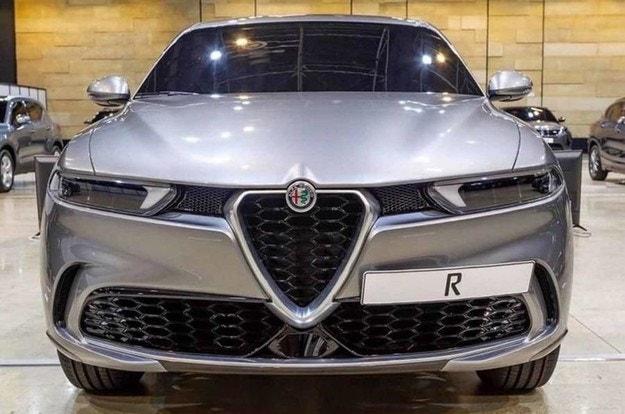 Отлагат Alfa Romeo Tonale до 2022 г.