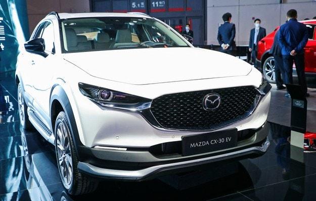 Mazda CX-30 премина към електричество в Китай
