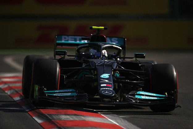 Ботас: Нещо е изначално объркано в Mercedes