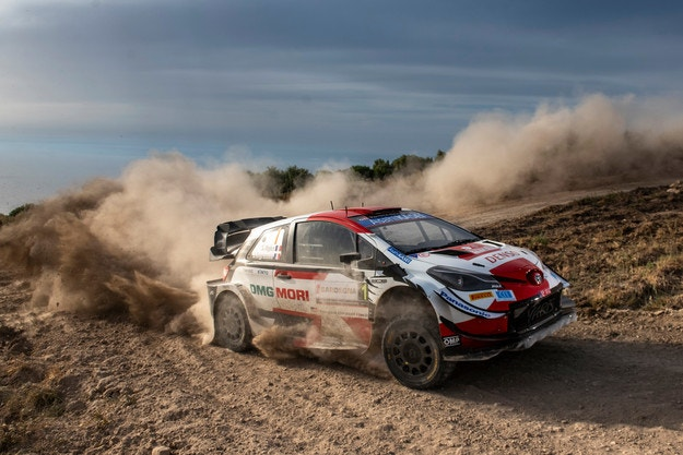 Hyundai подари поредната победа на Ожие