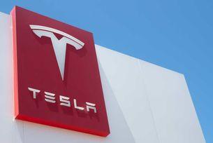 Илън Мъск може да строи завод на Tesla в Беларус