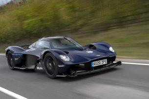 Aston Martin съди швейцарския търговец
