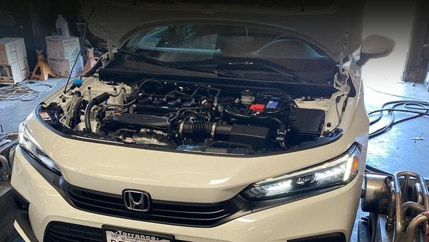 """Honda извлича допълнителни """"коне"""" от Civic"""