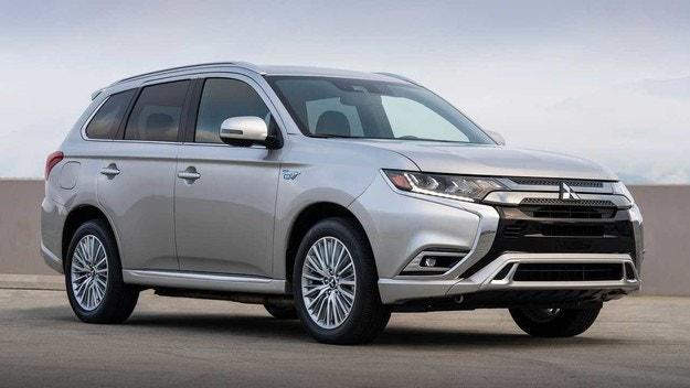 Mitsubishi Outlander PHEV увеличава мощността