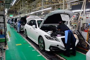 Toyota свива производството на автомобили с 40%