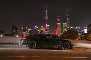 Porsche разширява инженеринга и производството