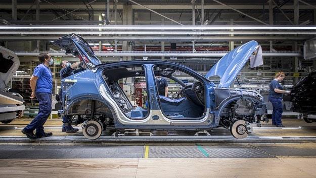 Volvo Cars пусна производство на новия C40 Recharge
