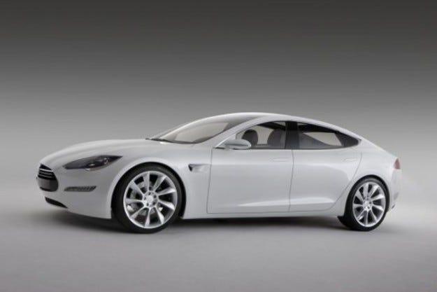 Tesla Model S: Покачване на напрежението