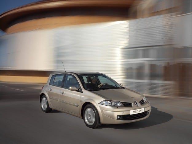 Китай забранява някои от моделите на Renault