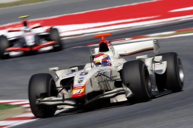 ФИА е задължила новите отбори да изберат Cosworth